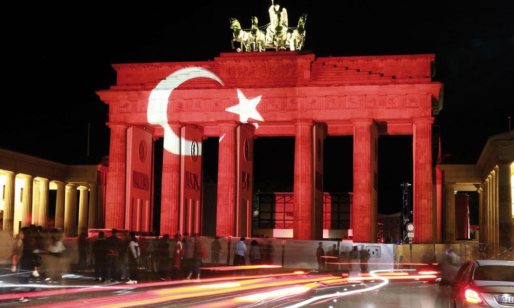 Almanya'daki Türkler kimlik sorunu yaşıyor