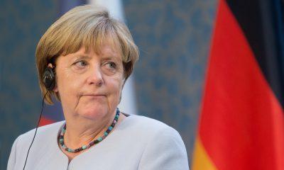 Angela Merkel başbakanlık yemini etti