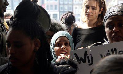 Hollanda'da sığınmacılar kötü barınma koşullarını protesto etti
