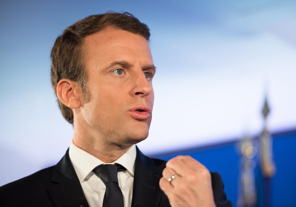 Macron banliyö